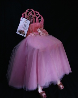 Betsey Johnson - Poofy Prom Perch