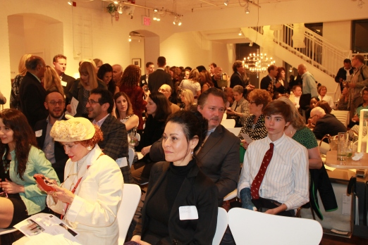 Standing room only as the auction begins!